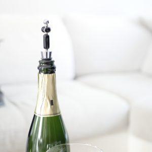bouchon bouteille perle verre murano noir et blanc