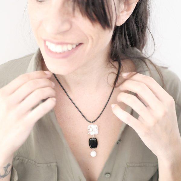 Collier 3 perles verre Murano blanc et noir